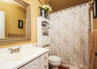 021_Guest House Bath